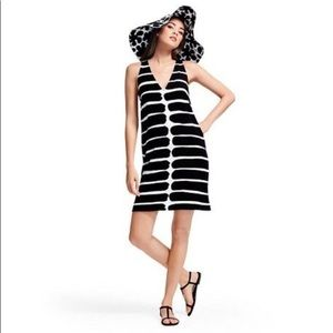 Marimekko for Target v-neck shift dress 🖤